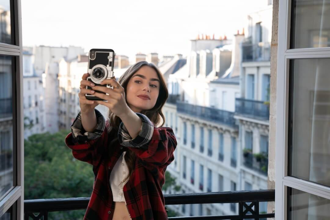 emily in paris lily collins season 2 netflix