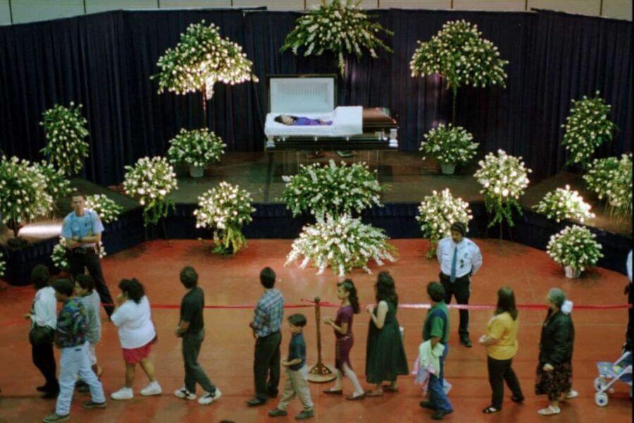 selena quintanilla open funeral