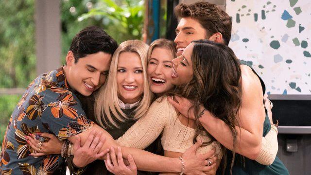 'Pretty Smart' Season 2: Netflix Renewal Status & What We Know So Far Article Teaser Photo